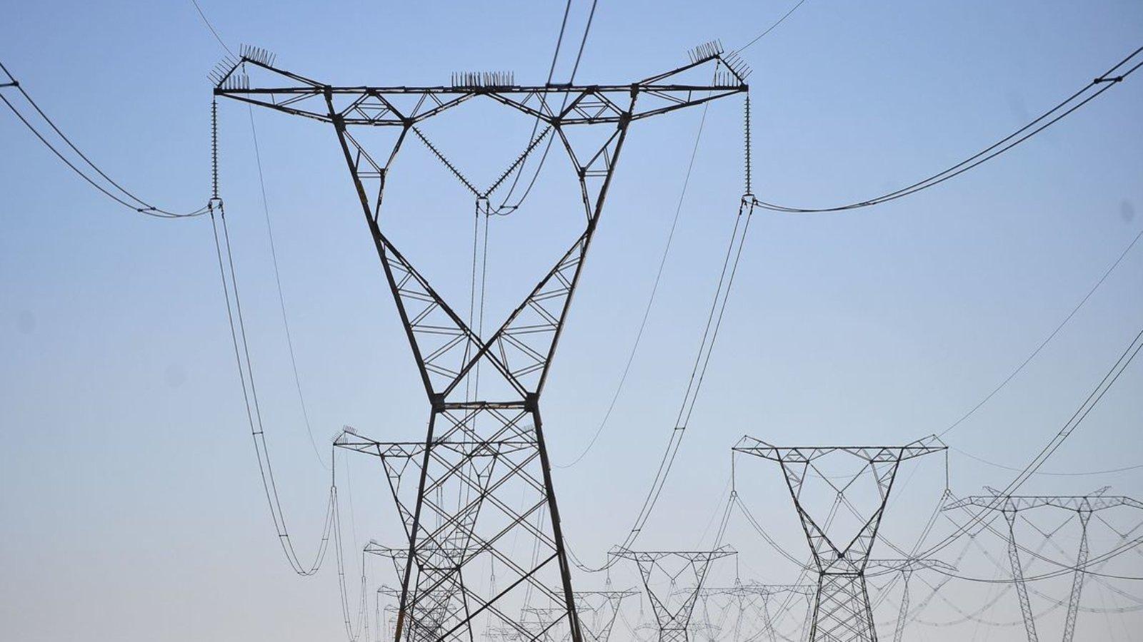 Linhas de transmissão de energia. Foto: Marcelo Casal Jr/Agência Brasil