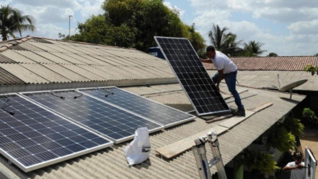 A chamada geração fotovoltaica, além de ser uma opção limpa, representa economia e traz diversos benefícios. – Foto: Donsol