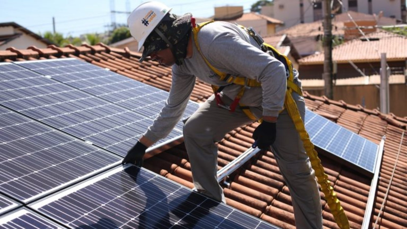 31-05 FOTO DE SISTEMA DE ENERGIA